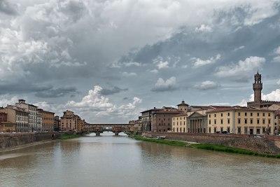 Ponte Vecchio y torre del palazzo vecchio